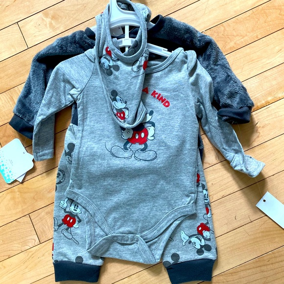 Disney Mickey Mouse baby clothes